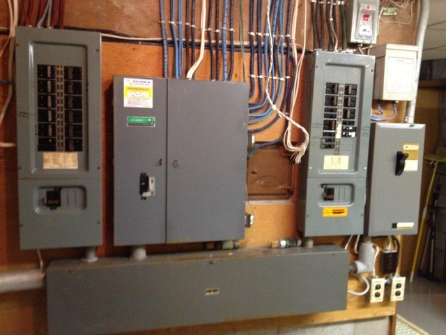 Hi lite electric inc electricians in etobicoke homestars for What is the standard electrical service for residential