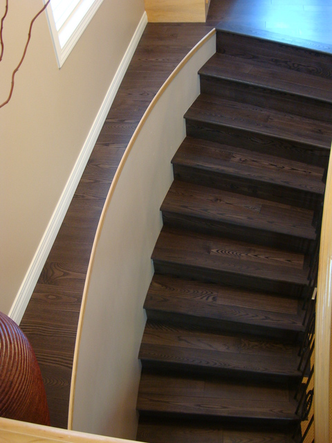 Laminate Flooring On Ledge Next To Stairs Doityourself