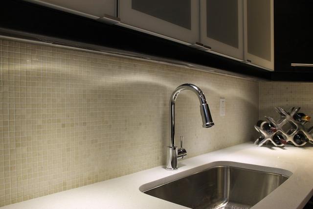 botticino marble backsplash faucet medium jpg