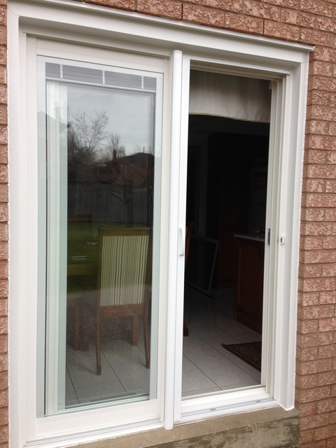 Invisible screens canada windows doors installation for Sliding screen door canada