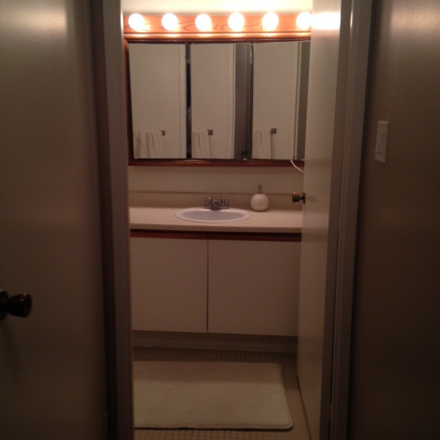 Review of dhc reno bathroom renovation in toronto for Renovation review