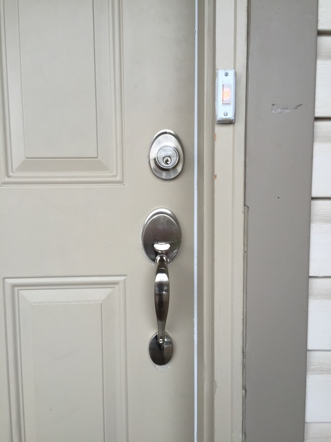 Review of uts intelligent security locks locksmiths in ottawa homestars for Exterior doors ottawa