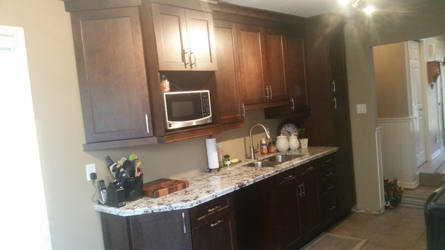 Review Of Hawkeye 39 S Renovations Kitchen Bathroom Cabinets Design In Oakville Homestars