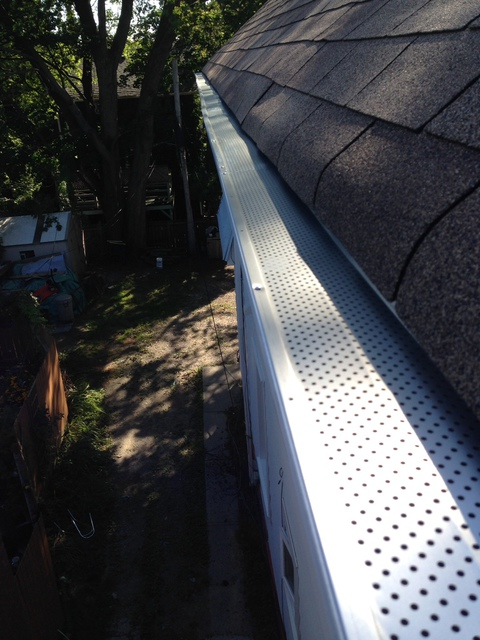 ez window cleaning the company installed high grade screens and we have no more leaks we are ready for winter thank you ez window cleaning review of window cleaning gutters eavestroughs in toronto